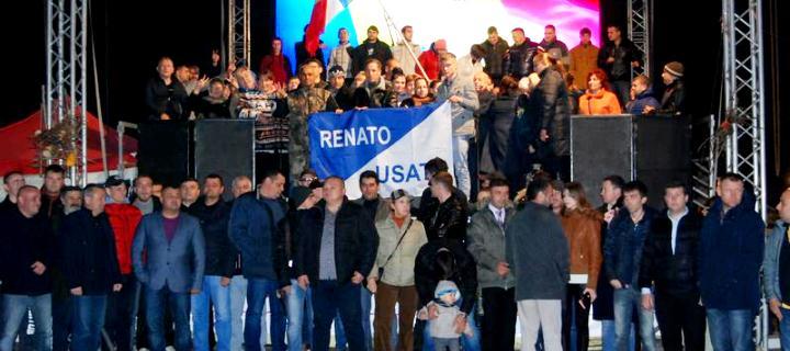 (VIDEO) Toată Moldova îl felicită pe Renato Usatîi cu ocazia zilei de naştere!
