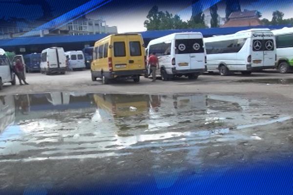 Усатый: На балансе Минтранса автовокзал деградирует – передайте его Бельцам