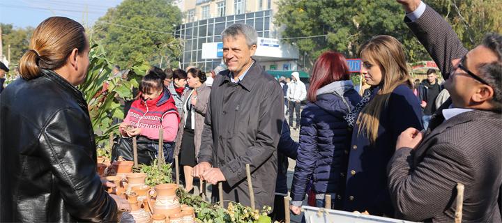 Дмитрий Чубашенко принял участие в праздновании «Золотой осени» в Калараше