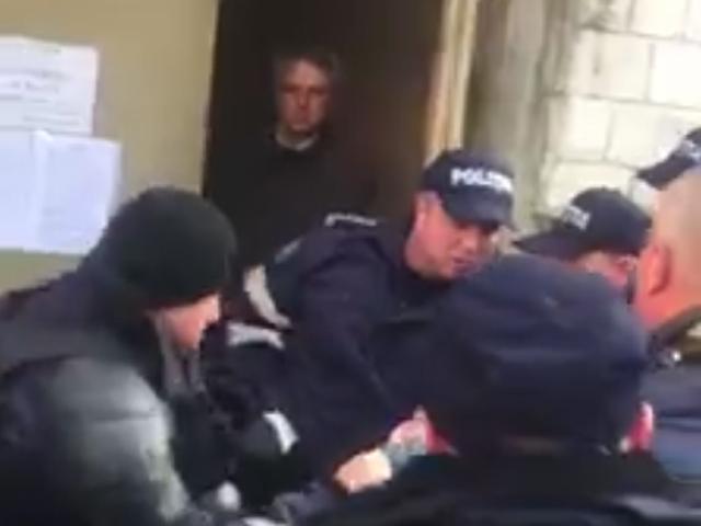Полиция применила силу в отношении кандидата в президенты Дмитрия Чубашенко