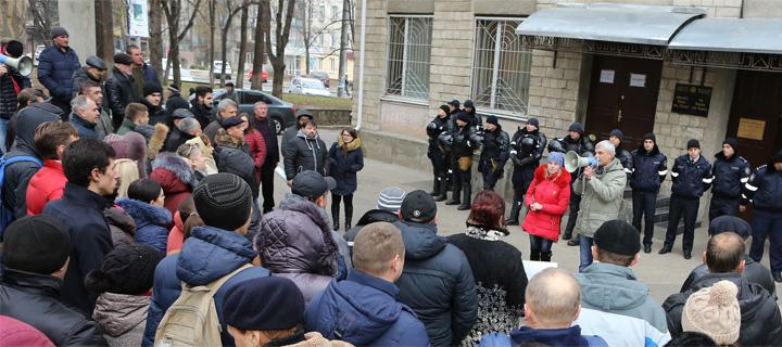 Чубашенко: Тягчайшие преступления расследуются годами, а политические дела заводятся мгновенно!