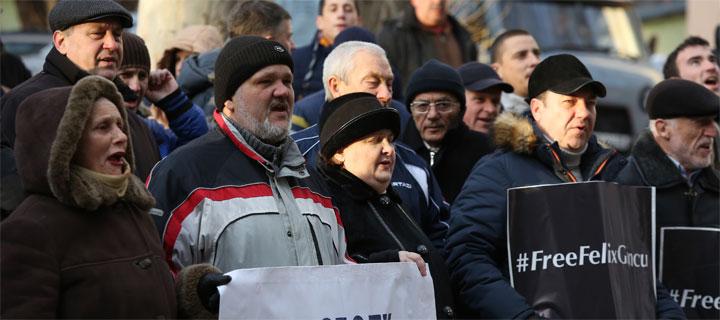 """Activiștii """"Partidului Nostru"""" cer eliberarea imediată a lui Felix Grincu: """"Libertate deținuților politici!"""""""