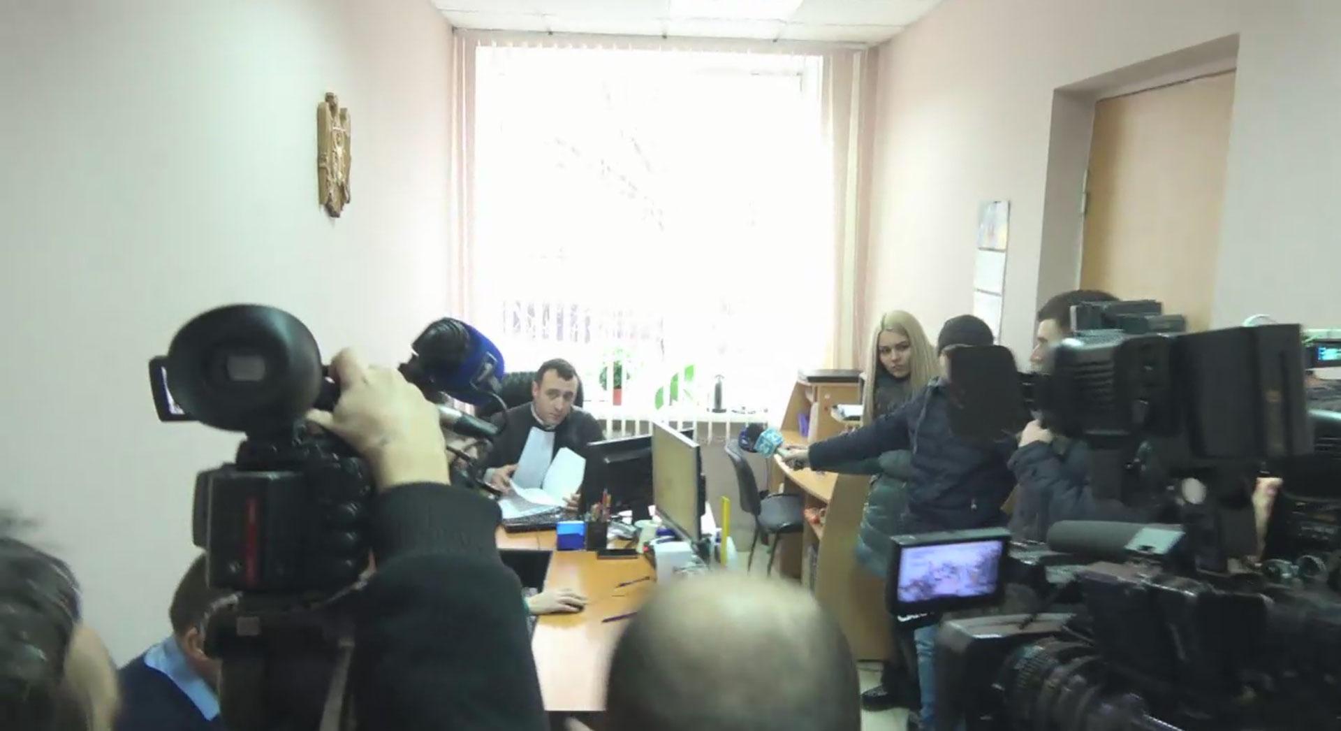 Прокурор мешает защите Усатого и обеспечивает привилегии «черному банкиру»