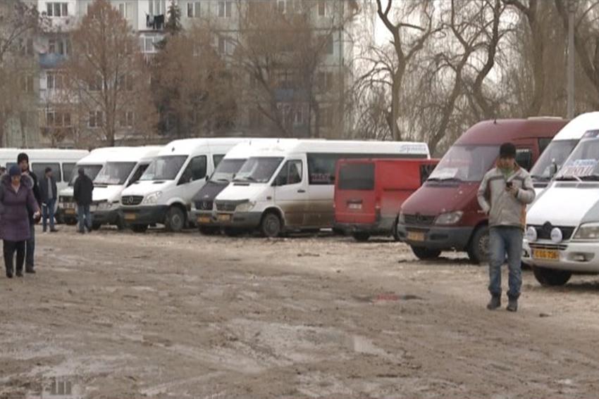 Сотни людей не могут добраться до Бельц. Примэрия – посредник между агенством и перевозчиками (ВИДЕО)