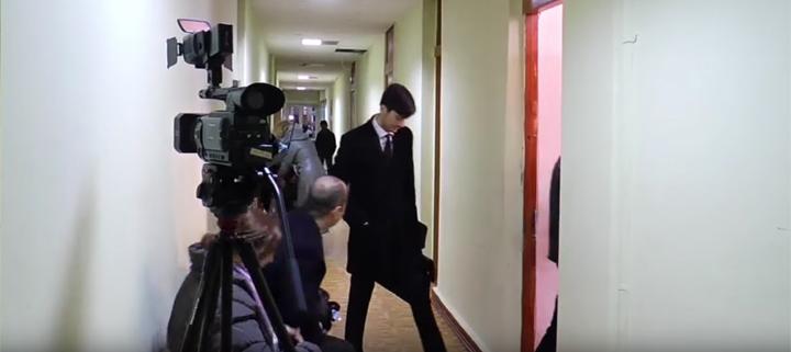 Instanța nu a anunțat avocații lui Usatîi despre desfășurarea audierilor (VIDEO)